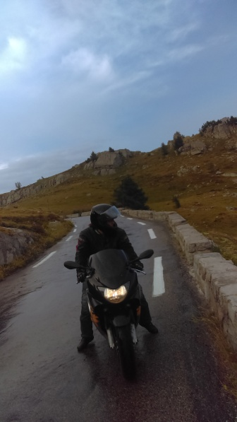The descent on those amazing narrow twisted wet roads