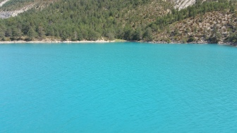 The fantastic blue turquoise waters in the Verdon region